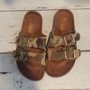 White Mountain Helga suede footbed sandal